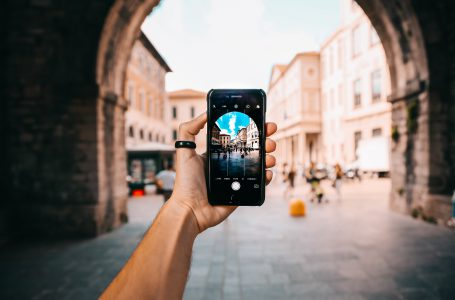 5 aplikacji mobilnych przydatnych w podróży