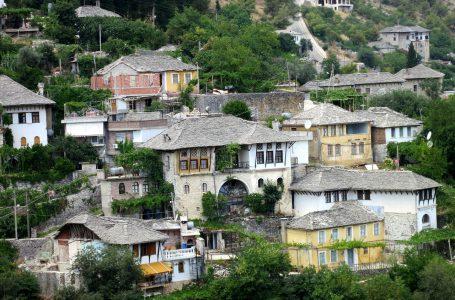 Gjirokastra – miasto tysiąca schodów