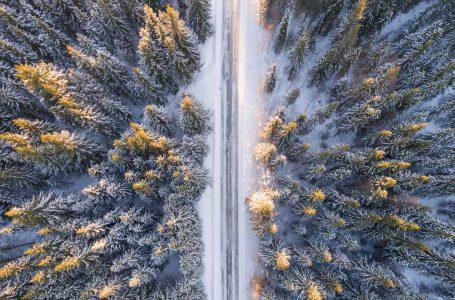 Zimowa turystyka – kamperem na narty