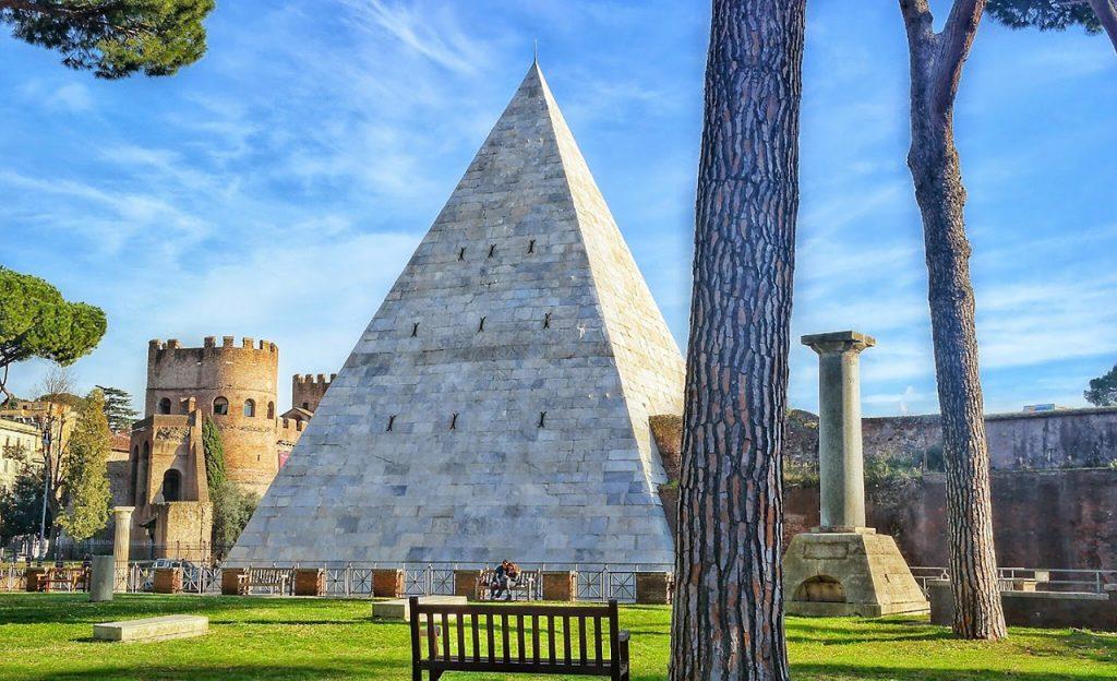 piramida rzym